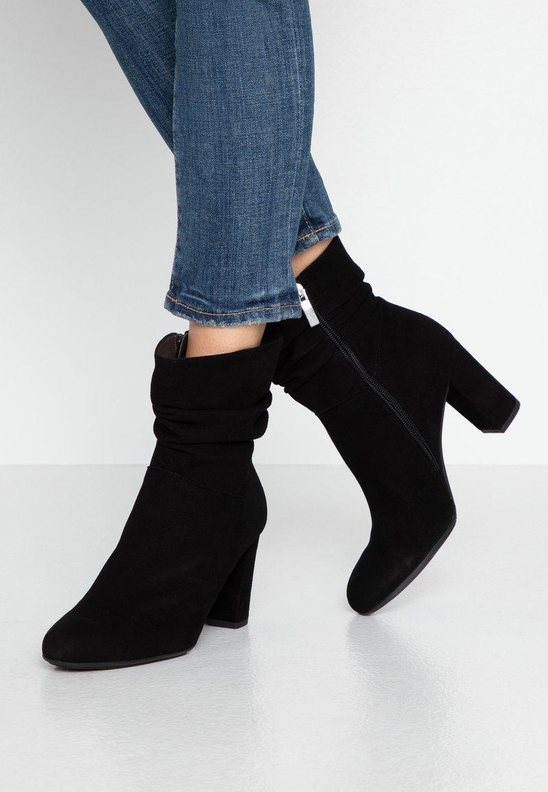 PERLATO - Classic ankle boots - noir