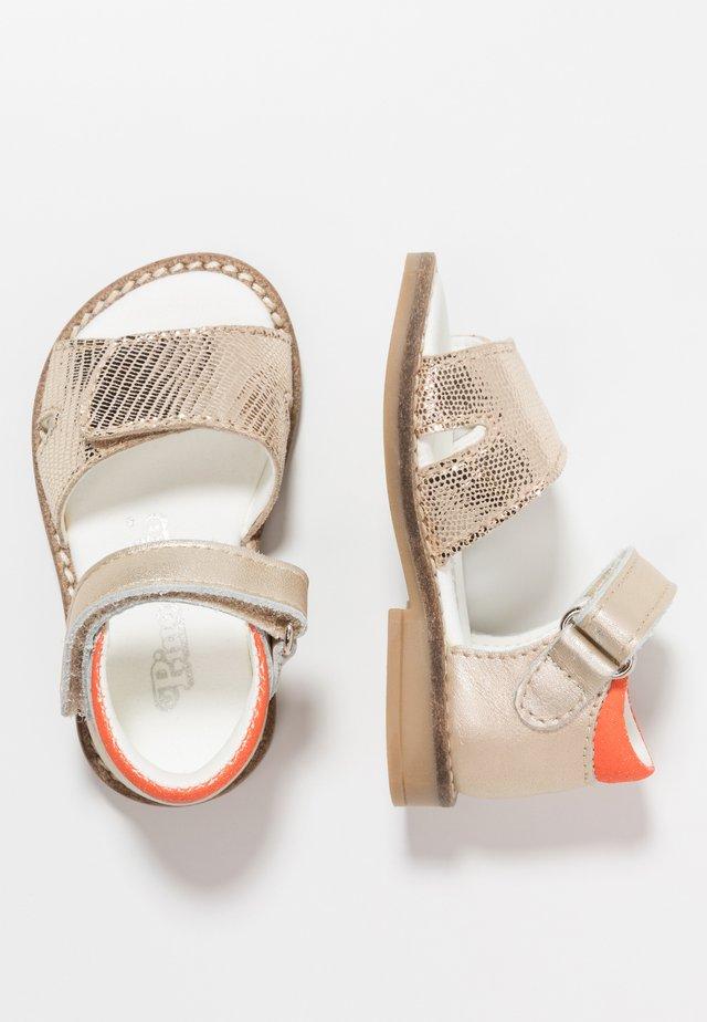 Sandaler - platina