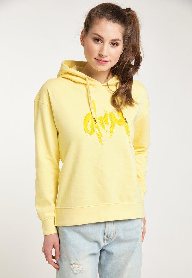 PETROL INDUSTRIES KAPUZENPULLOVER - Bluza z kapturem - mellow yellow
