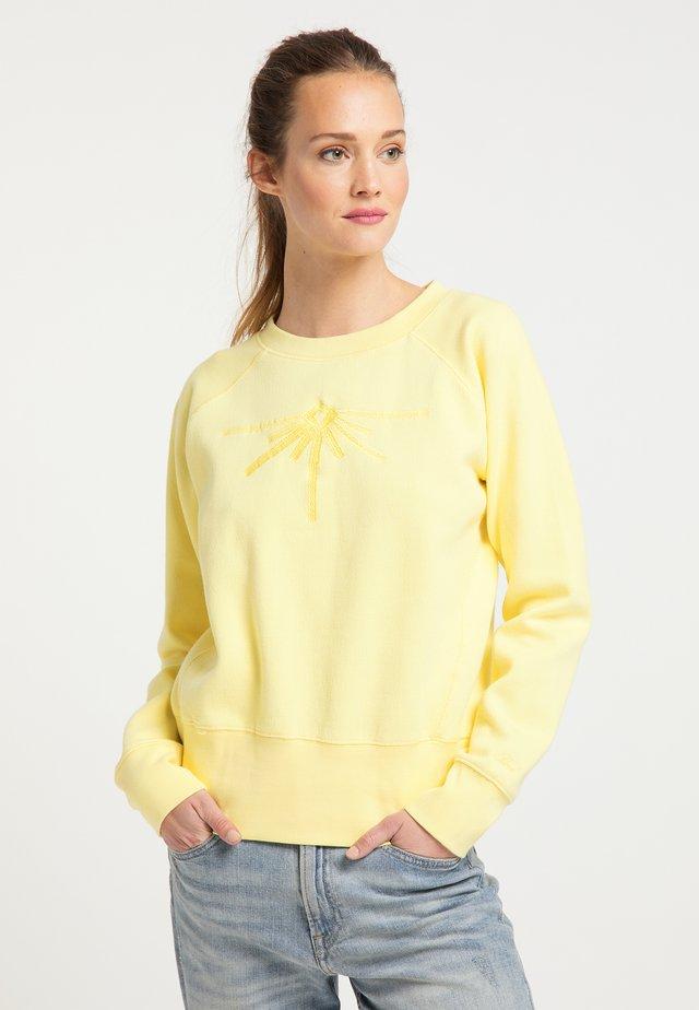 PETROL INDUSTRIES SWEATSHIRT - Bluza - mellow yellow
