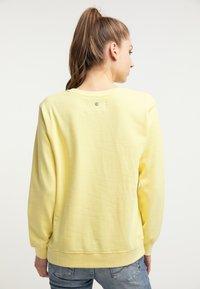 Petrol Industries - PETROL INDUSTRIES SWEATSHIRT - Bluza - mellow yellow - 2