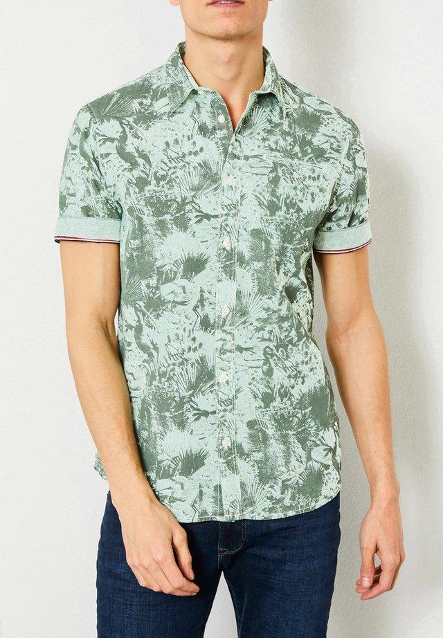 Shirt - champion green