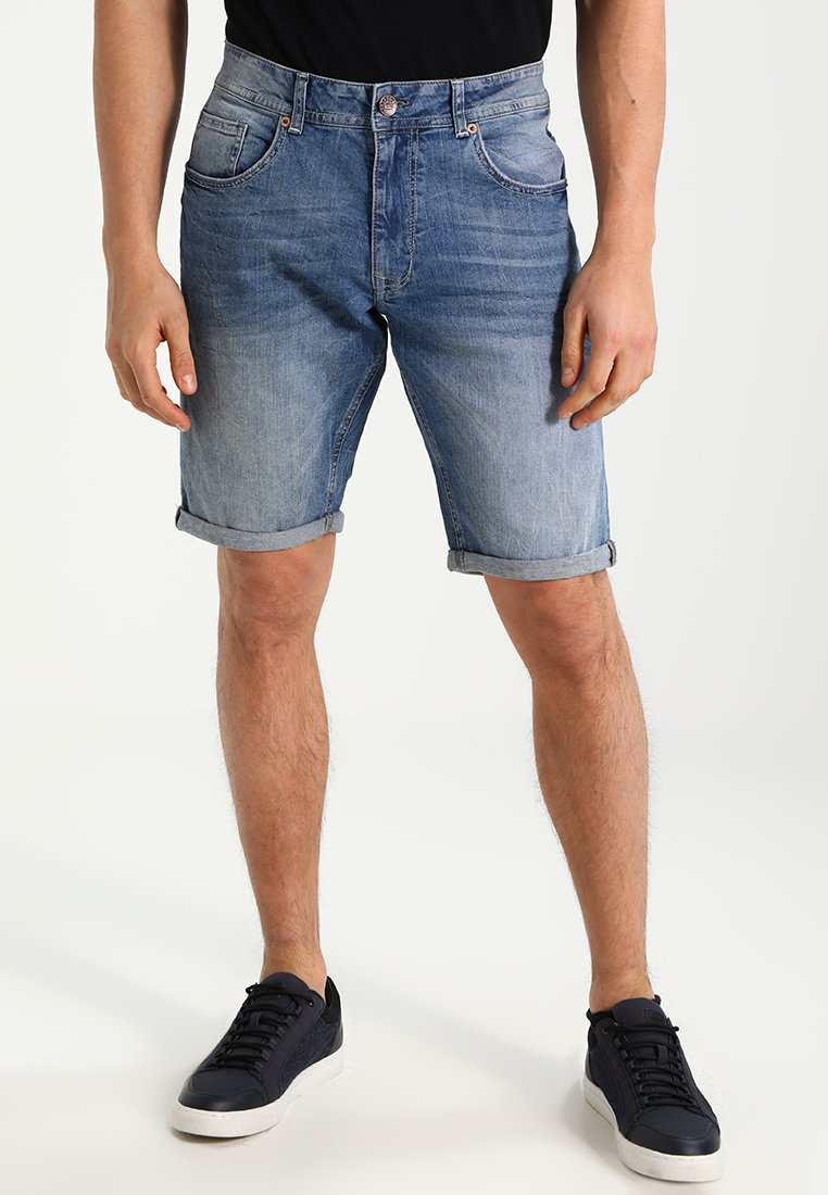 Petrol Industries - BULLSEYE - Jeans Shorts - medium blue