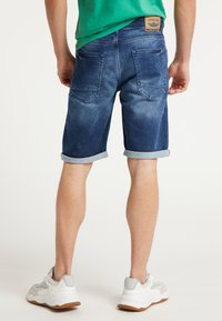 Petrol Industries - SHORTS - Farkkushortsit - deep blue sea