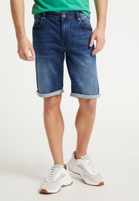 Petrol Industries - SHORTS - Farkkushortsit - deep blue sea - 0