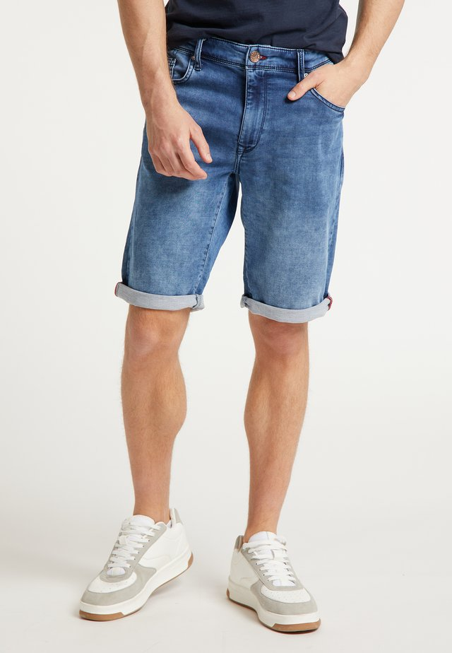 SHORTS - Denim shorts - light used