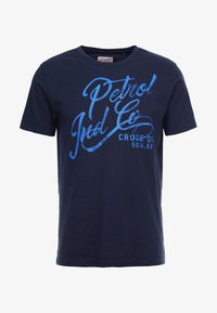 Petrol Industries - OPTION - T-shirt med print - deep capri - 3