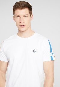 Petrol Industries - Camiseta estampada - bright white