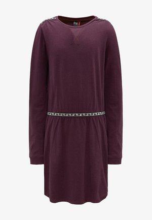 Žerzejové šaty - potent purple