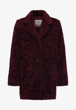 Winter coat - zinfandel