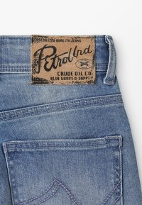 Petrol Industries - Denim shorts - bleached - 3