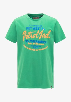 PETROL INDUSTRIES T-SHIRT - T-shirt imprimé - bright green