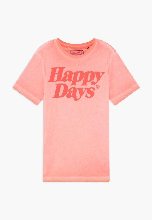 Camiseta estampada - fiery coral
