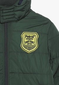 Petrol Industries - Winter jacket - night green - 6