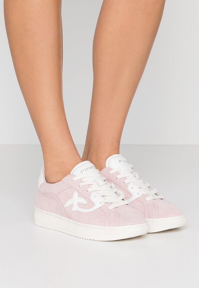 Pinko - LIQUIRIZIA - Matalavartiset tennarit - rosa/bianco
