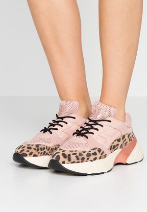 RUBINO SAFARI - Trainers - rosa/nero