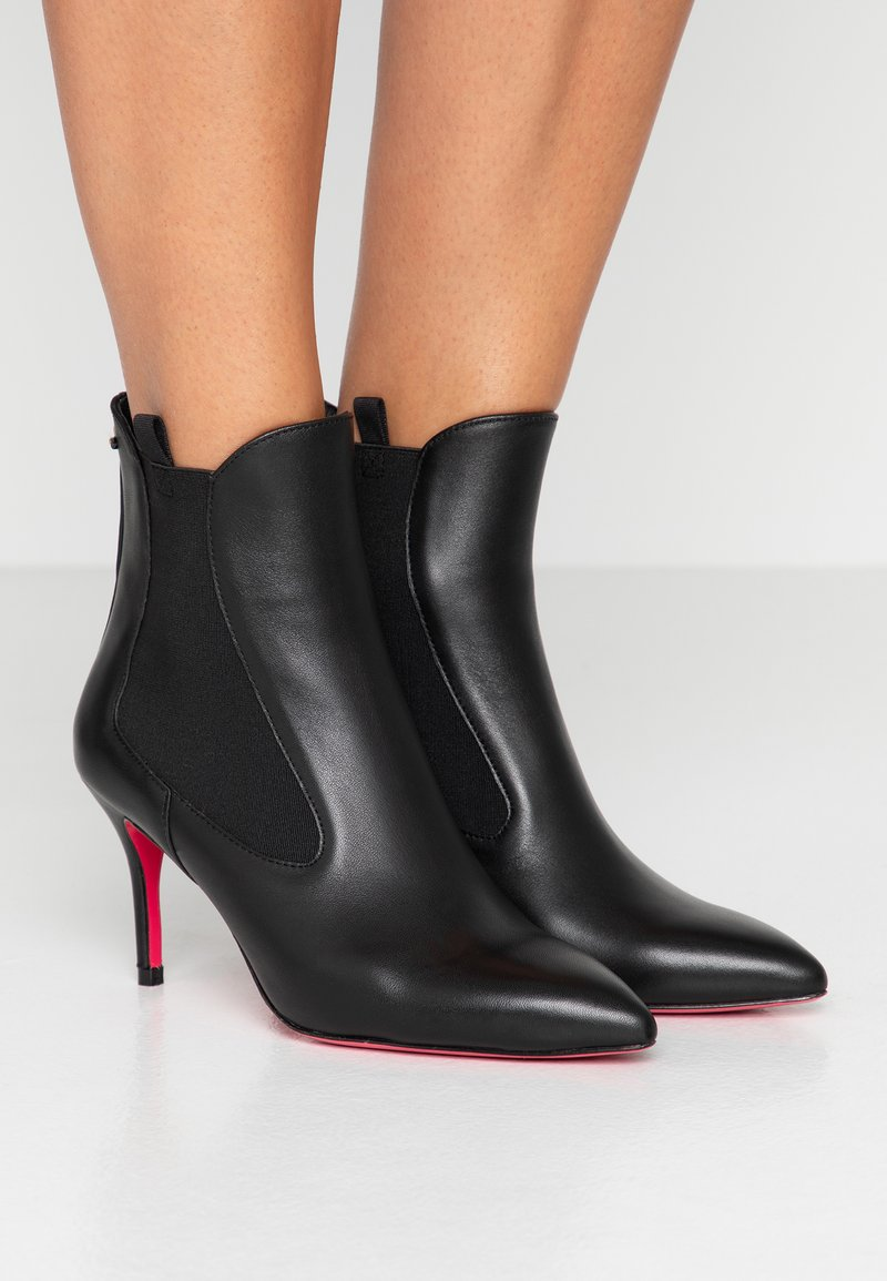 Pinko - BRACCIANO - Støvletter - black