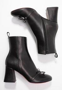 Pinko - MAGGIORE - Korte laarzen - black - 3