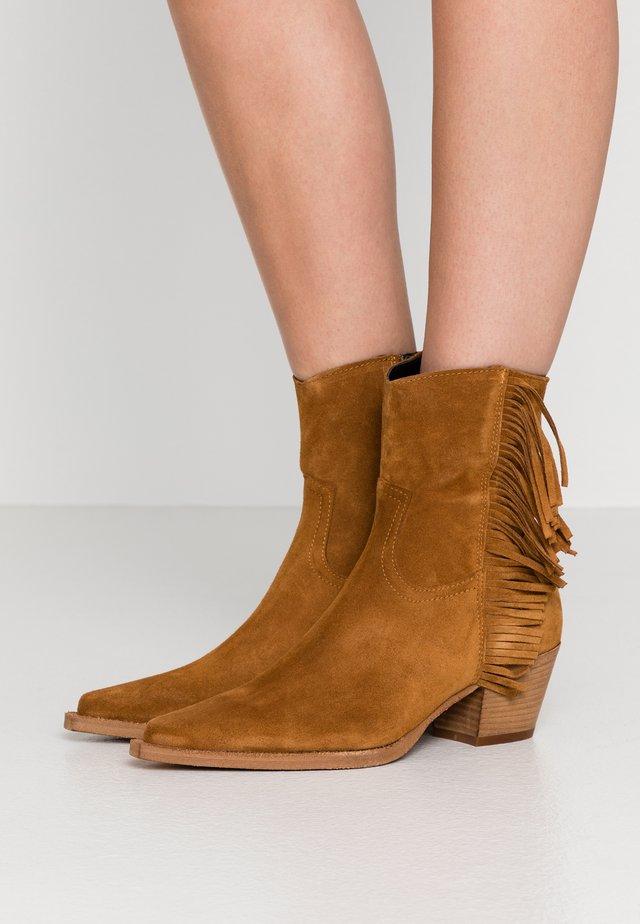 ZENZERO TRONCHETTO - Cowboy/biker ankle boot - marrone indiano