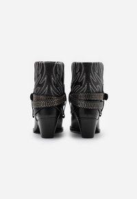 Pinko - RAFANO STIVALE - Cowboy/biker ankle boot - black - 3