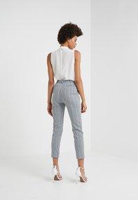Pinko - BELLA PANTALONE - Pantalones - multi/bianco/nero/bluette - 2