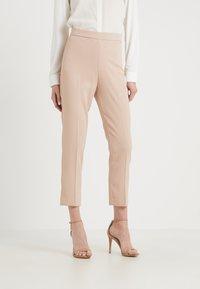 Pinko - BEA PANTALONE - Kalhoty - beige - 0