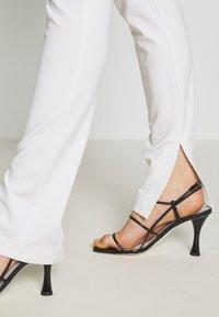 Pinko - Leggings - bianco - 3