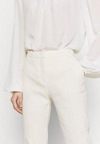 Pinko - BELLO  - Stoffhose - white - 4