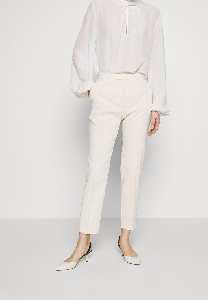 Pinko - BELLO  - Stoffhose - white