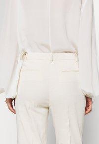 Pinko - BELLO  - Stoffhose - white - 6