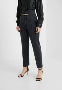 Pinko - ARIEL BUSTIER COMFORT - Jeans slim fit - black - 0