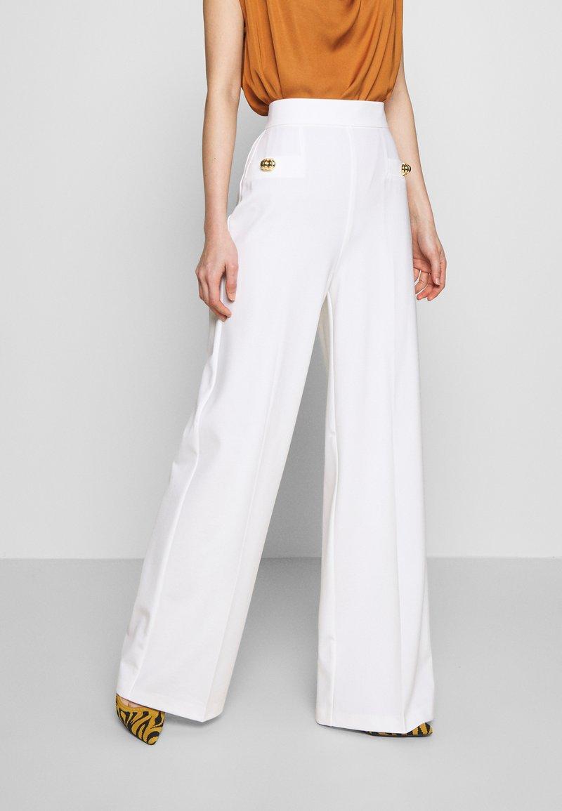 Pinko - LOUISE PANTALONE - Trousers - white