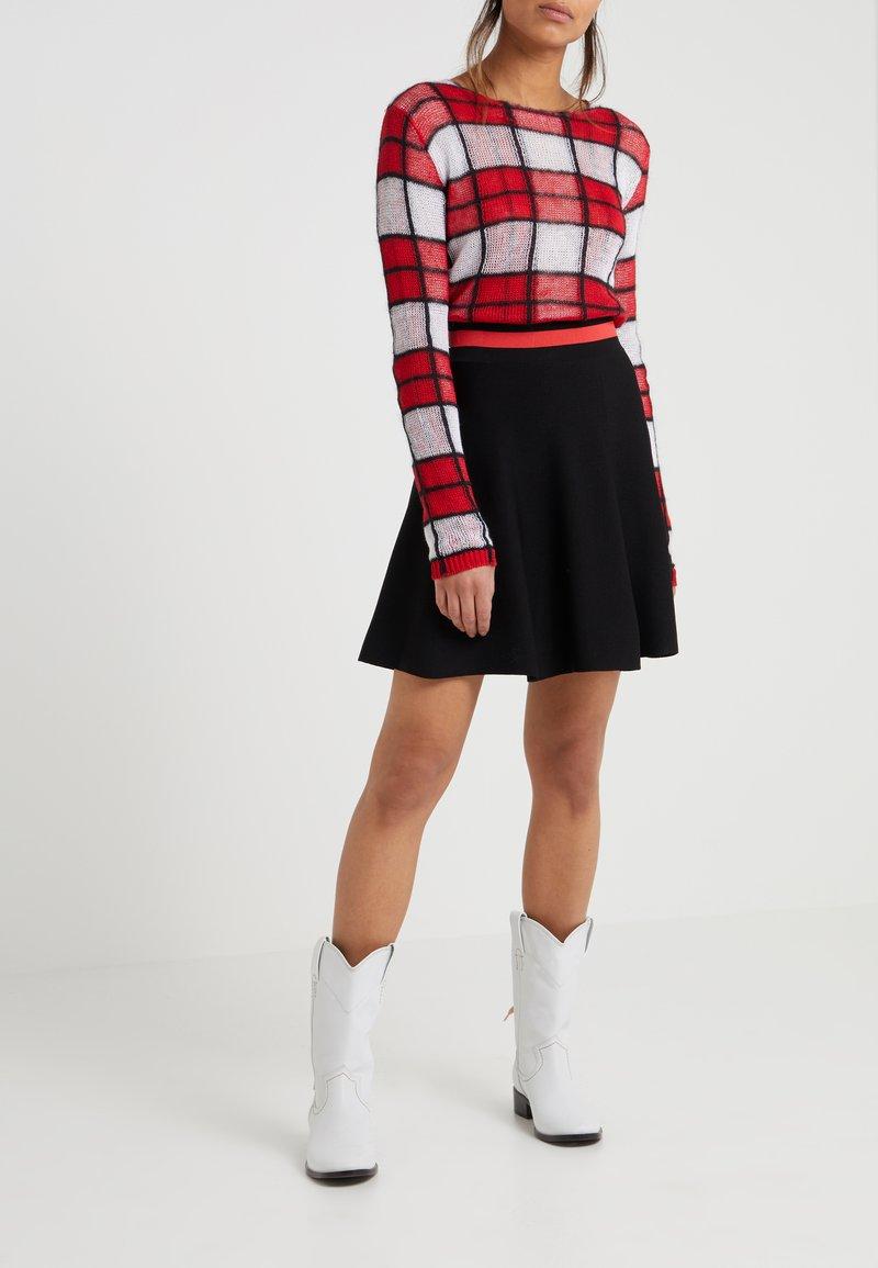 Pinko - PICA GONNA STRETCH - A-line skirt - nero/rosso