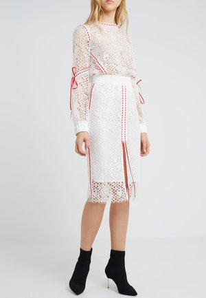 PIACENTE GONNA  REBRODE - Falda de tubo - bianco/rosso