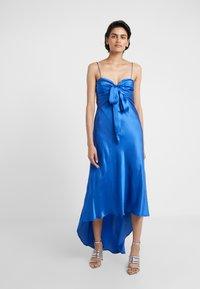 Pinko - CURTIS ABITO FLUIDO DRESS - Abito da sera - blue - 0