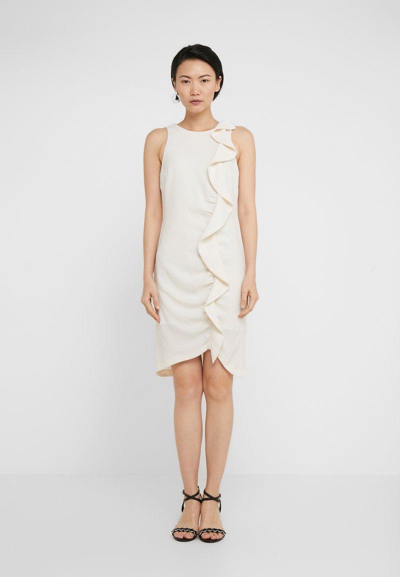 Pinko - BEBYBLADE ABITO FLUIDO - Vestido de tubo - white
