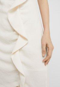 Pinko - BEBYBLADE ABITO FLUIDO - Vestido de tubo - white - 6
