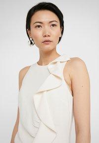 Pinko - BEBYBLADE ABITO FLUIDO - Vestido de tubo - white - 4
