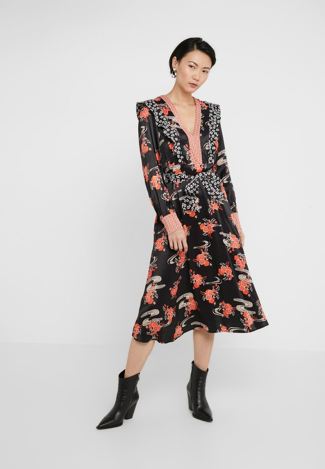 AQUAMAN DRESS FIORE GIAPPO - Vestido de cóctel - nero/bianco/rosso