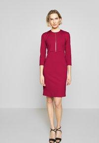 Pinko - PANNACOTTA ABITO PUNTO STOFFA - Vestido de tubo - rosso persiano - 0