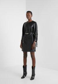 Pinko - BRANDY ABITO DRESS - Denní šaty - black - 1