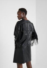 Pinko - BRANDY ABITO DRESS - Denní šaty - black - 2