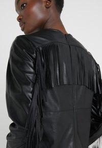 Pinko - BRANDY ABITO DRESS - Denní šaty - black - 5