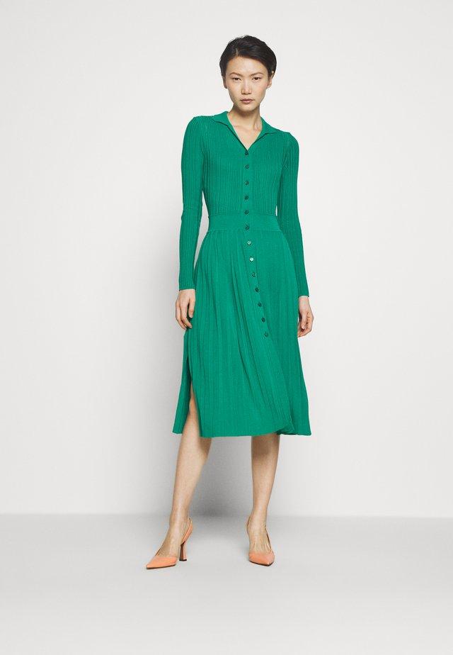 KYLIE ABITO - Gebreide jurk - green