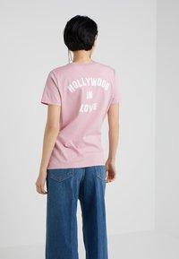 Pinko - SPONTANEO - T-shirt imprimé - pink - 2