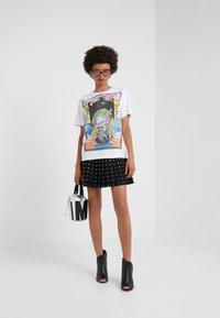 Pinko - BREATH  - T-shirts med print - multibianco/lila - 1