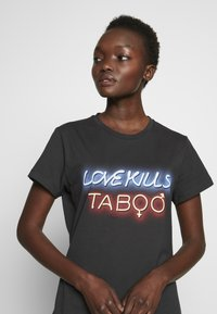 Pinko - GINGER ALE - T-shirt med print - black - 5