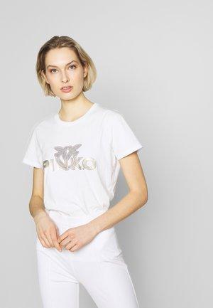 NOELLE - T-shirt z nadrukiem - white