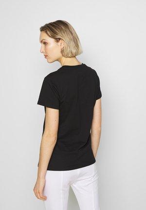GAILA - T-shirts med print - black