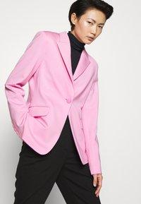 Pinko - SIGMA GIACCA PUNTO STOFFA SCUB - Blazer - fiore di rosa - 3